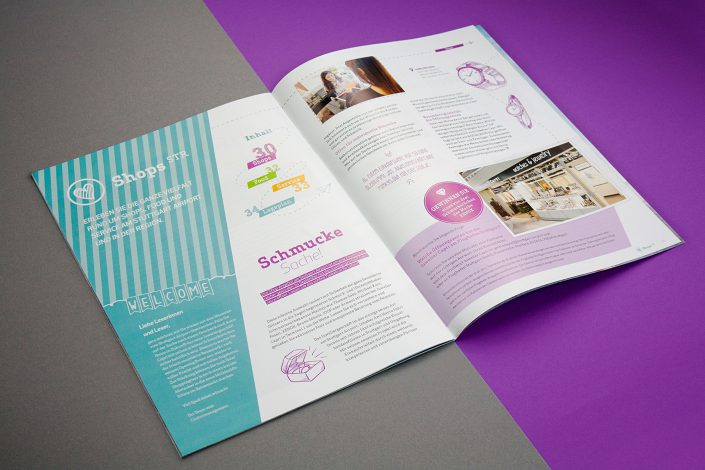 Innenseiten des Kundenmagazins mit Shop STR